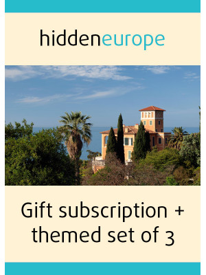 1 year gift subscription + themed set of 3 issues